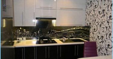 Zaprojektuj czerni i bieli kuchnia w mieszkaniu