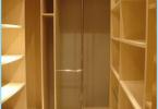 Jak wyposażyć garderobę w mieszkaniu